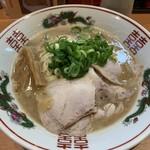 ラーメン 丸っ子 - 料理写真:ラーメンヾ(^。.^*)◞ ⁾¥680円