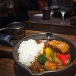 キャンプエクスプレス - やわらか豚煮込みの彩り野菜カレー