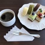 八景 - アーリーアフタヌーン¥2970(税込)…ケーキブッフェ&ミニドリンクバー