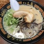 博多三氣 - ラーメン600円!
