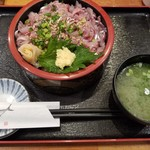 伊豆太郎 - 鯵ぶったったき漁師丼