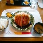 五升庵 - とんかつ定食(800円)