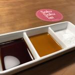 サクサク亭 - ソース、出汁醤油、塩
