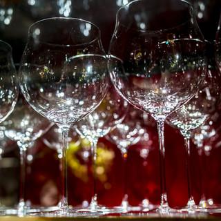 ソムリエが導く至高の一本。珠玉のワインが造るマリアージュを。