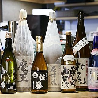 お料理に合う、厳選地酒やワインなどを各種ご用意しております。