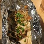 ともすけ - 5種のキノコのホイル焼き 626円  しめじ えのき エリンギ… 食べごたえはあまりない。