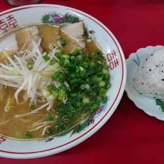 中華そば○ - 料理写真:中華そば ¥550+おにぎり(1ケ) ¥50