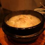 100897584 - すっぽん鍋の如く、グツグツと泡立っての登場:参鶏湯(2,500円/3人前±)