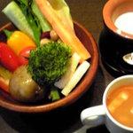 Pre De - 生野菜とチーズ系温ソース・スープ
