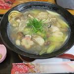 手打ちうどん 紅屋 - 料理写真:牡蠣の葛あんかけうどん