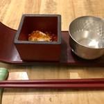 日本酒スローフード方舟 - お通し¥500(外税)…いくらと日本酒(フィンガーボールではないですよ ^_^;)