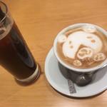 プリモダイニング - カプチーノとアイスコーヒー