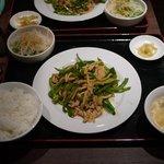 天外天刀削麺 - チンジャオロースー