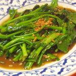 ガムランディー - 前原の自社菜園で作られた無農薬の空芯菜♪冬季はカイラン菜に変わります