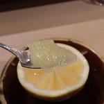 100926579 - 菜花蜂蜜とブランデーのグレープフルーツ