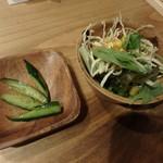 ハルコロ - ランチのサラダと胡瓜浅漬