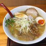 九六亭 - 濃厚鶏白湯 醤油味 800円、麺大盛 100円