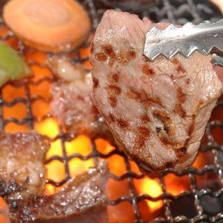 【看板料理】ボリュームステーキを特製ソースで!