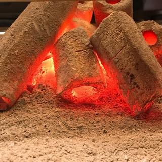 高級な炭で焼く焼肉は一味違う!