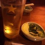 宮崎地鶏と鍋の酒処じどりーにょ - お通し&ハイボール(富士山麓)