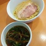 100950017 - つけ麺(油少なめ)850円