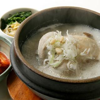 """~身体に美味しい古代王朝料理""""参鶏湯(サムゲタン)""""~"""