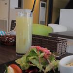SO.TABLE KOBE 0330 - ランチ グレープフルーツジュース