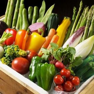 糸島産野菜など、こだわり素材を使用。