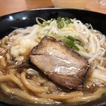中華蕎麦 とみ田 - チャーシュー、もやし、刻みニンニク