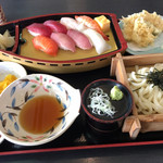 100957387 - 寿司ランチ(天ぷら、うどん又はそば、漬け物付き)