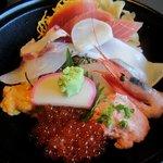 10096545 - 「特選 海鮮丼(\1580)」のアップ。