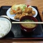 福村食堂 - からあげ定食(780円)