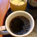 白壁カフェ花ごよみ - 茶碗蒸し       コーヒー
