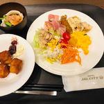 カフェ カナル 1610 - 名古屋名物などもある!