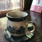 自家焙煎コーヒーcafe・すいらて - ポーリッシュポタリーの器でいただく、香り高い自家焙煎珈琲(2019.1.30)