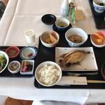 Guriru - 和定食 3000円(税込・サ別)‥‥宿泊料に込み