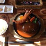 洋食春 - 天然有頭エビフライ&ハンバーグ セット¥1650 税抜