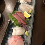 100989368 - 鮮魚盛り合わせ2人前1800円