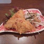 マゴコロ - つきだし(白身魚のフライ&タコのサラダ)