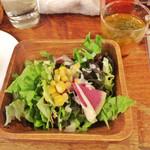 ピザバーコムギ - ランチのサラダとスープ