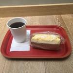 ウフ タマコ サンド - コーヒー/タマゴサンド