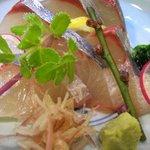 酒菜 和寿 - シマアジ造り ¥900