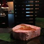 肉匠迎賓館 - エアーズロック降臨の絵図