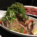 肉匠迎賓館 - タンしゃぶサラダ
