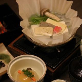 京都の食材を余す事無くふんだんに使った【京懐石】