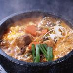 百萬太郎 - 料理写真:石焼カルビピリ辛ラーメン