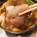 101030160 - 猪肉の脂身は甘く、しつこくなくてとっても美味しい!グツグツ煮込んでもかたくならないのにもビックリ!