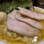 らーめん飛粋 - 料理写真:特製らーめん(もも肉)900円+中盛