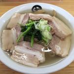 伊藤商店 - 料理写真:金の肉そば