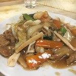 萬来園 - 五目焼きそば!麺がパリパリでおいしかったよ
